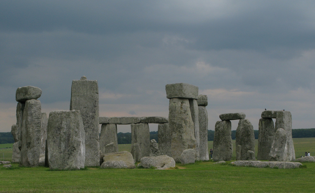 Stonehenge by -Reiji on flickr CC BY NC SA 2.0
